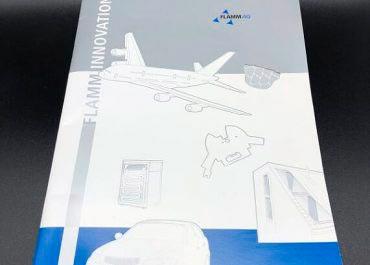 Broschuere mit gestanztem und gepraegtem Umschlag
