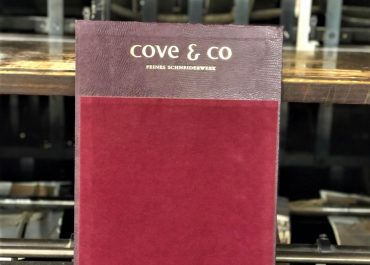 Cove & Co. - Mustervorlegepappe quer